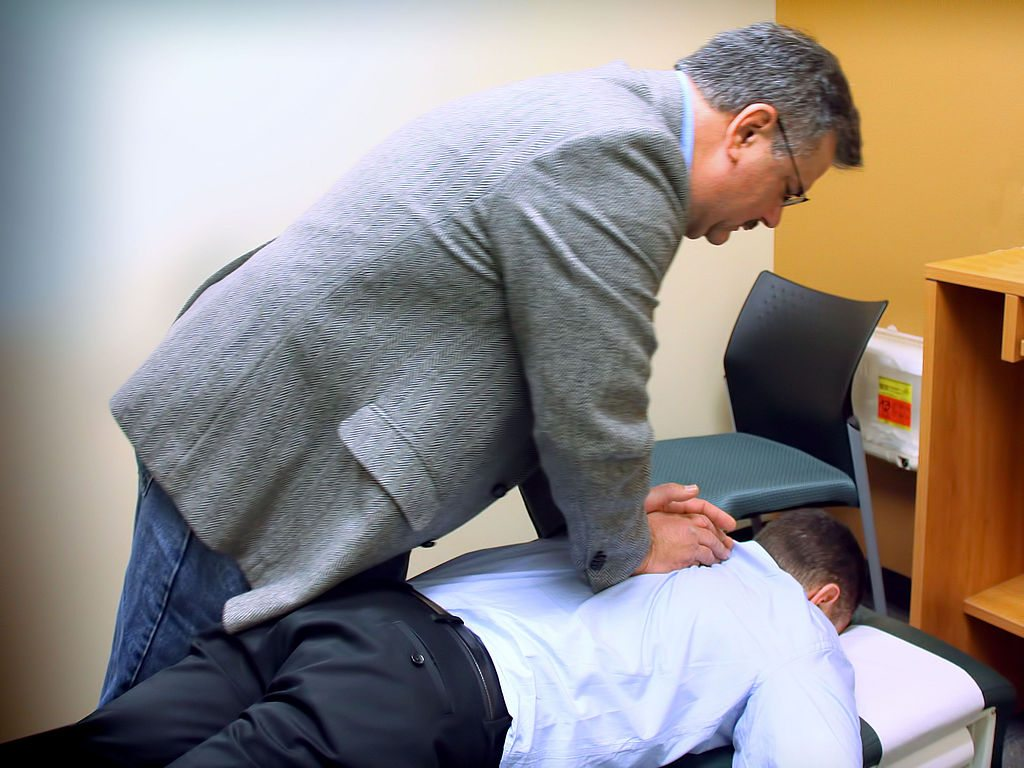 1024px-chiropractic_spinal_adjustment